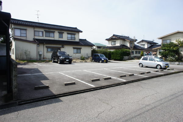 【月極駐車場】高岡市下麻生伸町859-179西川パーキング