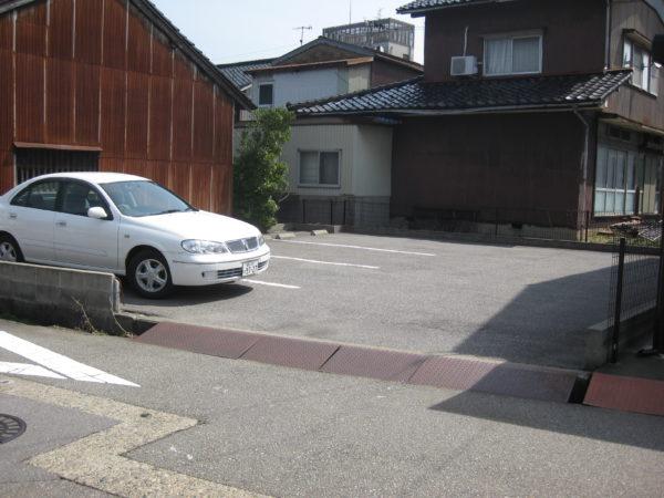 【月極駐車場】高岡市横田本町545-1 水野パーキング