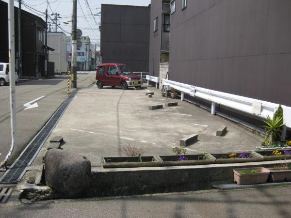 【月極駐車場】高岡市川原町300 柴野パーキング